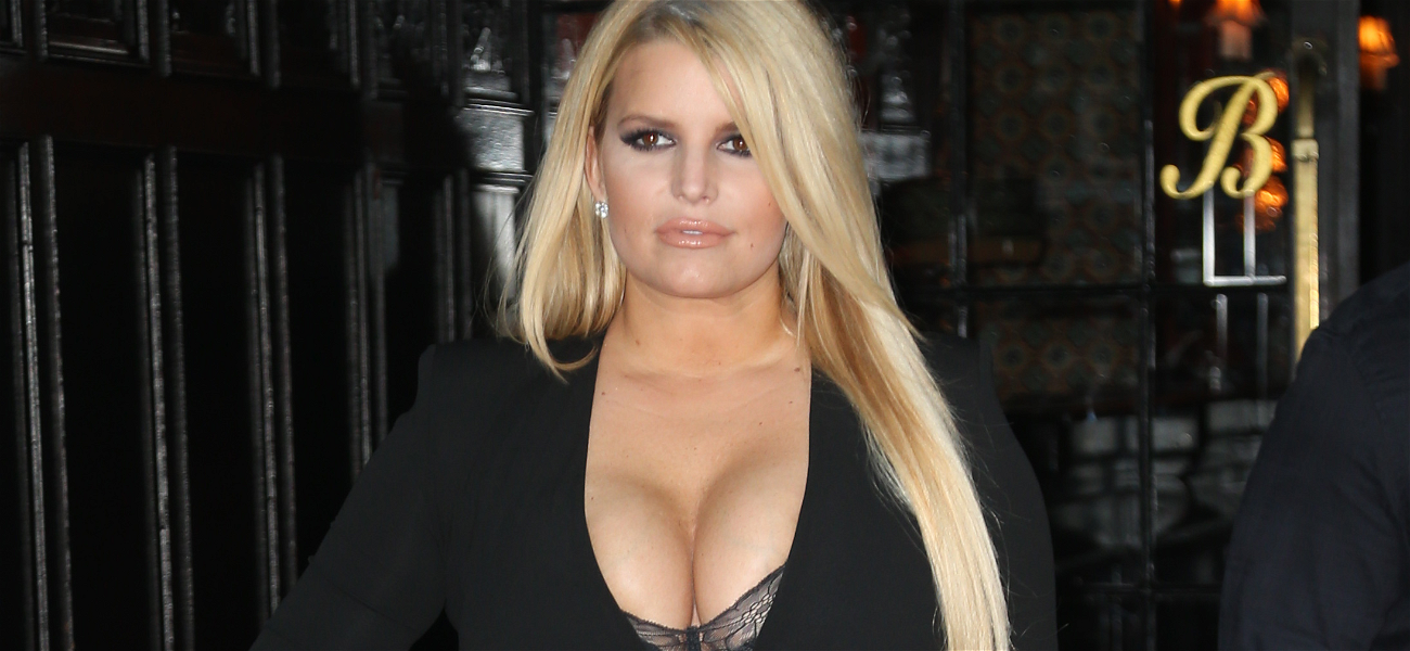 This Is What Jessica Simpson Looks Like With The 10-Day Flu