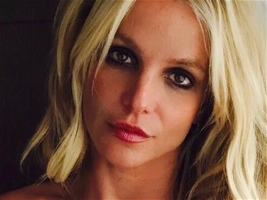 #FREEBRITNEY: Lynne Spears Shows Support For Britney's 'Freedom,' 'Voice,' & 'Life'
