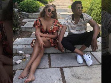 Beyoncé on Vacay: No Shoes, No Problem