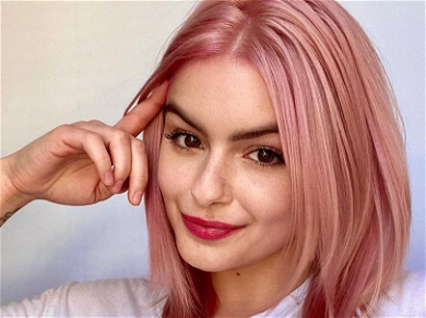Ariel Winter Shows Off Perfect Peaches For Yummy Bakery Run
