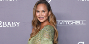 Chrissy Teigen Squashed This Thanksgiving Rumor About King's Hawaiian Rolls