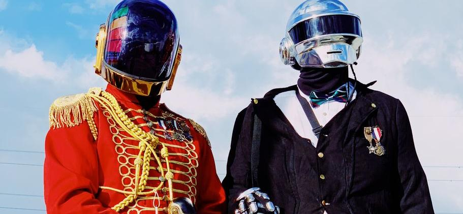 Daft Punk BREAKS UP!? Electronic Music Duo Split After 28 Years!