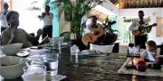Sofia Richie Celebrates 20th Bday in Mexico with Scott Disick While Kourtney Parties Nearby