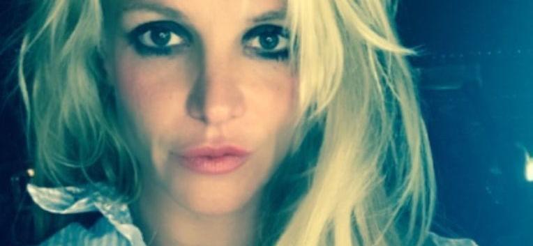 Britney Spears' Instagram Suspicious Over Skimpy Backyard Snaps