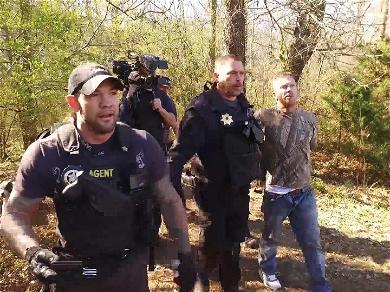 Dog Chapman's Son Tracks Down Fugitive in Alabama