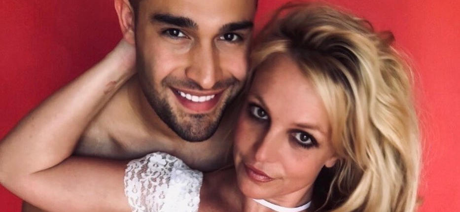 Britney Spears' Boyfriend Sam Asghari Proclaims His 'LOVE' For Her In Goofy Bed Video