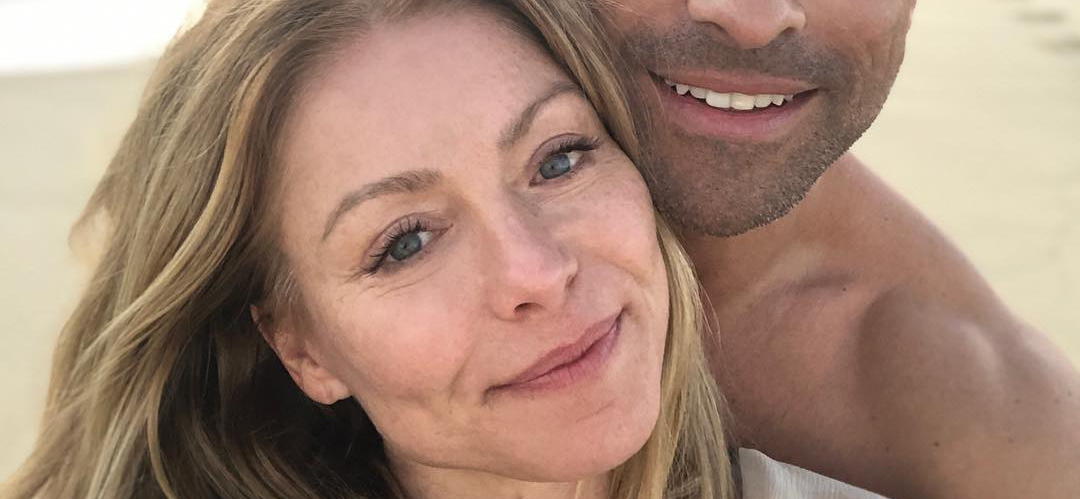 Kelly Ripa Ignores Giant Bahamian Storm To Capture Perfect Bikini Picture!!