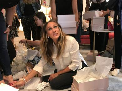 Sarah Jessica Parker Hangs With Fans During Shoe Store Opening
