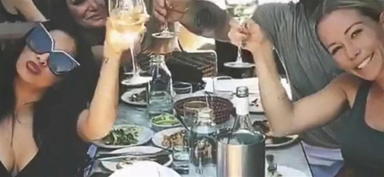 Kendra Wilkinson Celebrates Single Status With Snooki and Tori Spelling