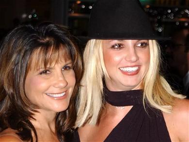 Britney Spears' Mom Praised for 'Never Aging' In New Family Pics