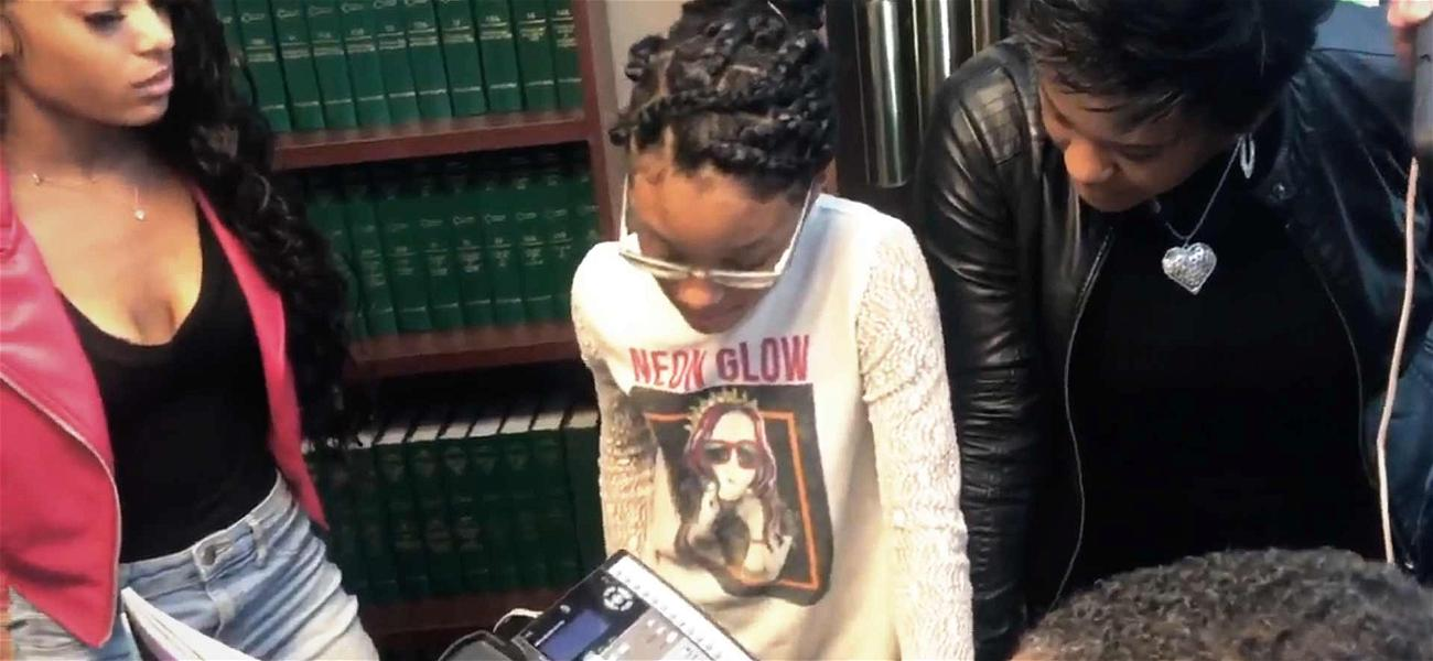 R. Kelly's Girlfriend Tells Family 'I Told You a Million Times, I'm Happy'