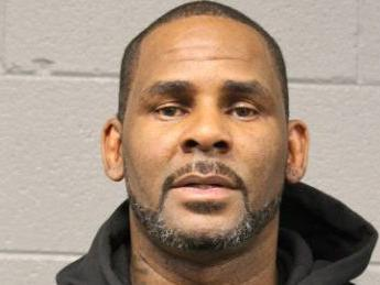 Alleged Sex Predator R. Kelly Complains About His Prison Food Selection