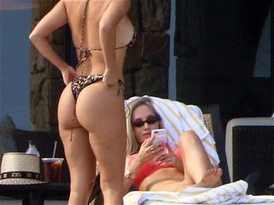 Kourtney Kardashian Flaunts Her Figure in Cabo