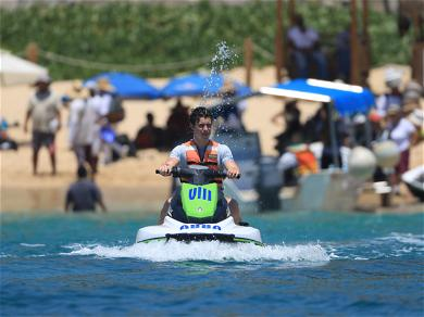 Shawn Mendes Jet Skiing During Mexico Vacation