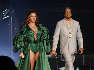 Beyonce And Jay-Z Sitting For The Super Bowl National Anthem Has Social Media In An Uproar