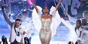 Fans Are Still Reacting To Toni Braxton's Iconic Performance at the American Music Awards