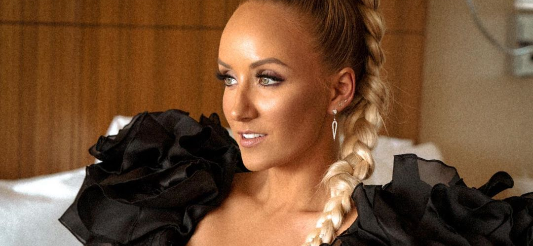 Nastia Liukin Smashing A Giant Burger Is The Hottest Thing You've Ever Seen!!