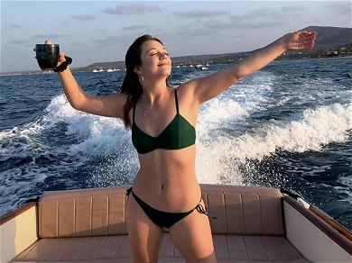 'Star Wars' Star Billie Lourd Looks Carefree AF During Mexican Getaway With Boyfriend