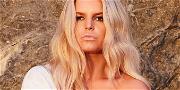 Jessica Simpson Makeup-Free For Morning Sunbathe