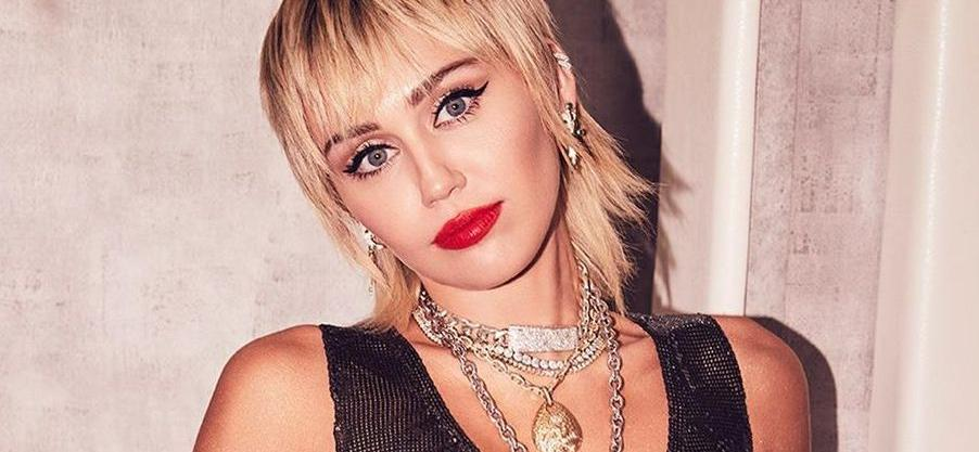 Miley Cyrus Sparks Hygiene Complaints With Coffee Underwear Selfie