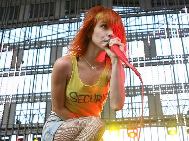 Paramore's Hayley Williams Weighed Only 91 Pounds Following Divorce, Turned to Alcohol Amid Depression