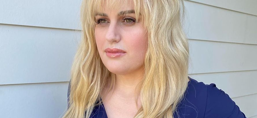 Rebel Wilson Gives 'Hot Girl Energy' With Tiny Waist In Tight Blue Dress