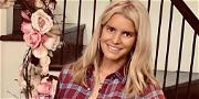 Jessica Simpson Flaunts Gorgeous Figure In Weekend Bicycle Straddle