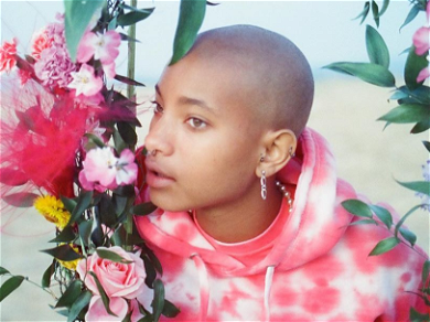 Willow Smith Flaunts Her 'Awoken' Fro And Thrashes On Her Guitar