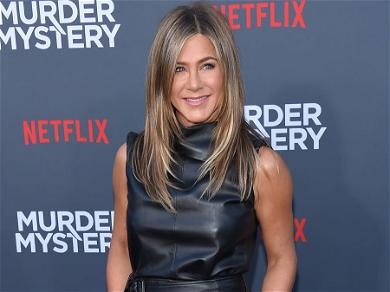 DavidLetterman Creep Fans Out In Viral Video That Showed Him Lick Jennifer Aniston's Hair