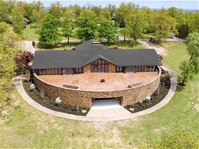 The Duggars Sell A House For Over A MILLION Dollars Profit! — See The Amazing Photos