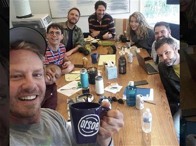 Ian Ziering Shows Up in '90210' Writers' Room Showing the Reboot Is Underway