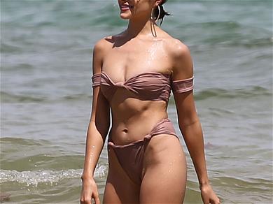 Olivia Culpo and Devon Windsor in Bikinis on Miami Beach