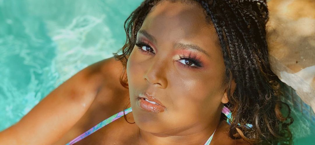 Singer Lizzo Bares It All Dripping Wet In Shower After Body Detox!