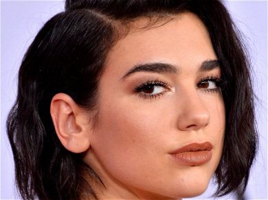 Dua Lipa Rushed By Fan In Mexico, See The Intense Moment!