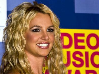 Britney Spears Says Rocks Have 'Intellect' With New Photo