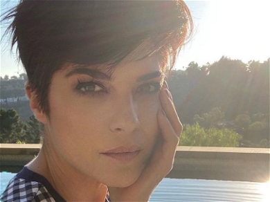 Selma Blair Flaunts Ripped Abs In Thong Undies for a Good Cause