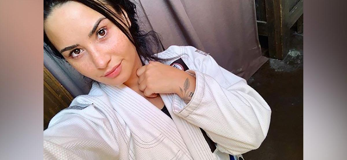 Demi Lovato Calls Weight Loss Compliments 'Triggering', Ask Fans To 'Stop'