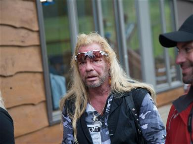 'Dog The Bounty Hunter' Fans Think Lyssa Chapman Tweeted A Jab At Her Dad's Rumored Girlfriend