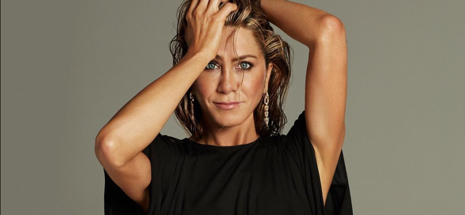Jennifer Aniston Auctions Fully Nude Portrait For Covid-19 Relief
