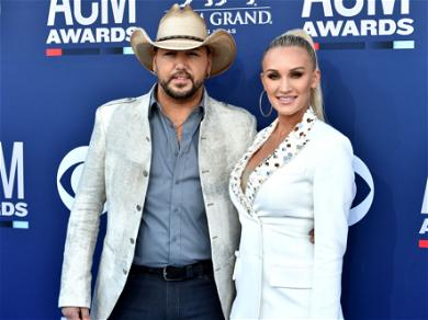 Jason Aldean And His Wife Share New Years Photos From The Beach