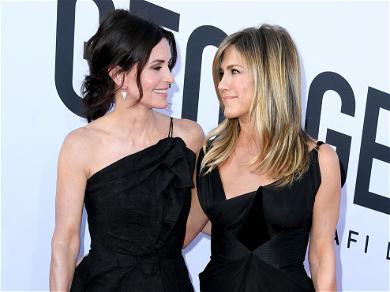 Courtney Cox Is A Major Fan Of Brad Pitt And Jennifer Aniston's SAG Reunion