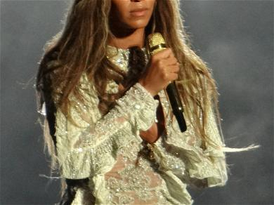 Beyoncé Comforts Vanessa Bryant After Heartbreaking Eulogy at Kobe's Memorial