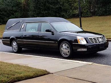 Hearse Carrying Kim Porter's Body Arrives for Funeral