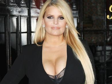 Jessica Simpson Goes Daisy Dukes Bombshell 100 Pounds Skinnier In Knotted Shirt