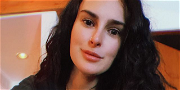 Demi Moore's Daughter, Rumer Willis, Stuns On Bed In Lingerie