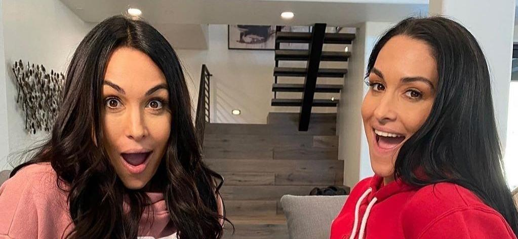 Brie And Nikki BellaPrepare To Give Birth On 'Total Bellas'