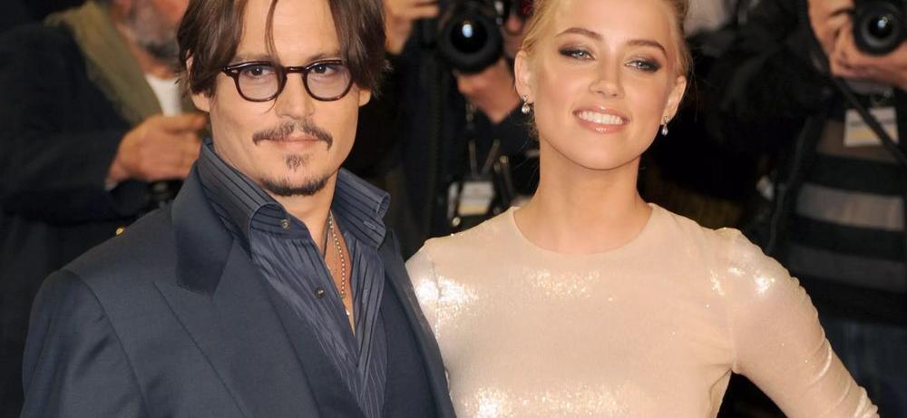 Amber Heard Hangs Braless By Desert Cacti Amid Bloody Johnny Depp War