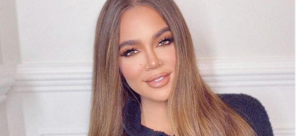 Khloé Kardashian Posts Sensuous Shower Pic With Kim On Instagram!