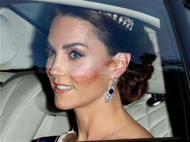 Kate Middleton Wears Stunning Formal Green Dress at Buckingham Palace