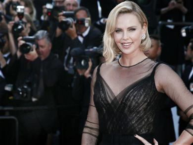Charlize Theron& Tobey Maguire 'Had A Bit Of A Rough Time' Filming Popular 1999 Movie